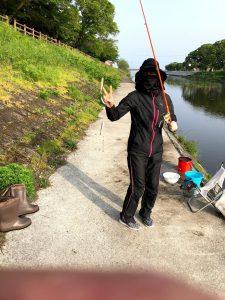 芹川コアユ釣り女性